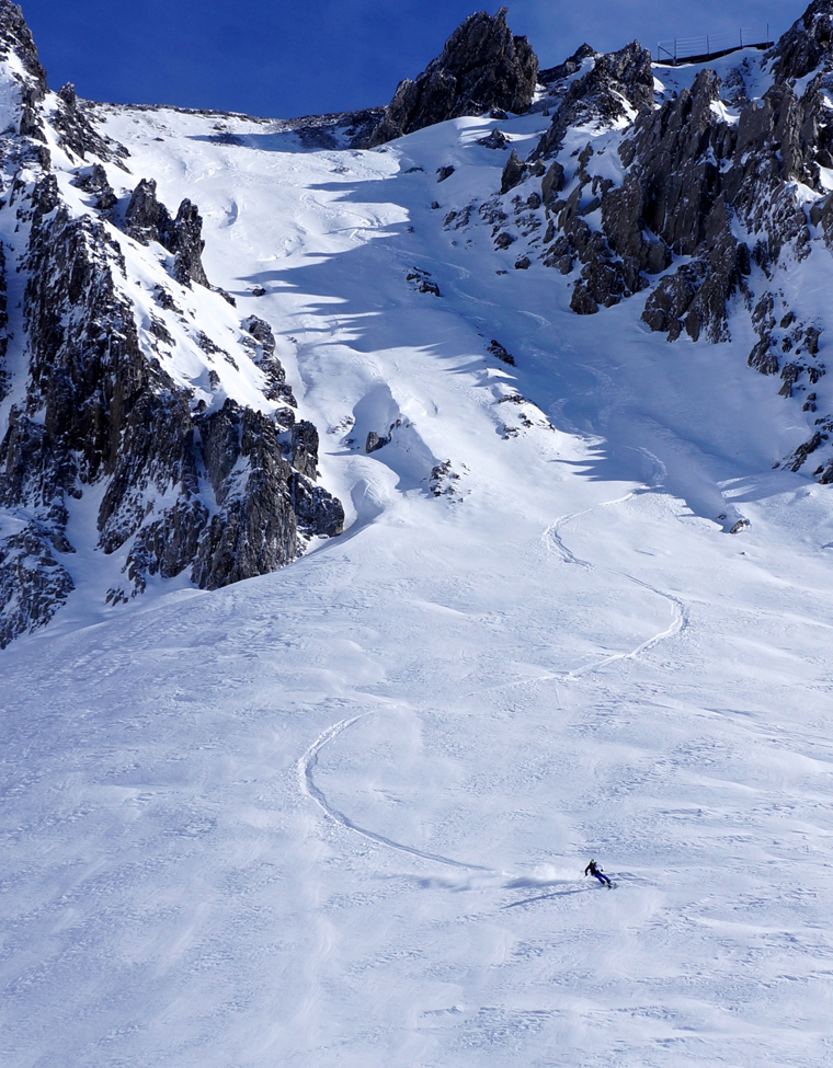 Autumn couloir hunting in the arlberg fall line skiing magazine matt clark and colleagues skived off work to take advantage of austrias first big snowfall of the season and were rewarded with swathes of terrain freerunsca Image collections