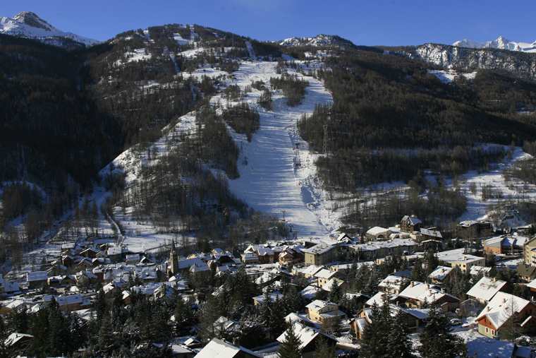Rustic around the edges, but with some of the best tree skiing in France |AGENCE ZOOM