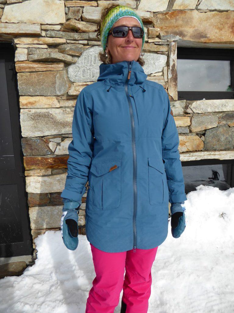 We like the long length of Dakine's Silcox ski jacket