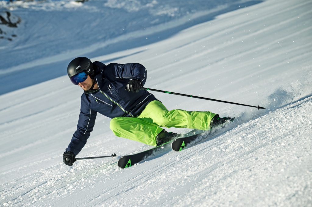 Cruising the pistes on the Fischer Progressor F17 ski