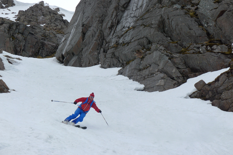 Mountain Guide Andy Townsend skis Aladdin's couloir