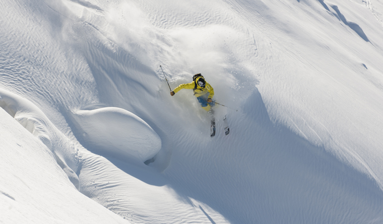 Fall-Line's editor, Nicola, hopes to catch it lucky with a few hours' powder in La Clusaz |Photo Pascal Lebeau