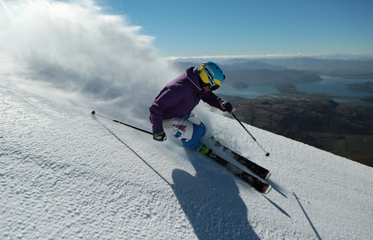 Treble Cone with Lake Wanaka behind | Treble Cone / Thierry Huet