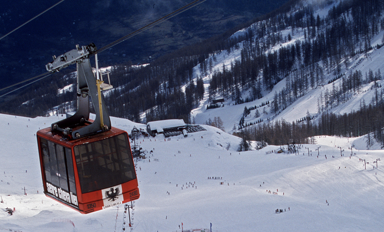 Empty lifts and uncrowded slopes abound|AGENCE ZOOM