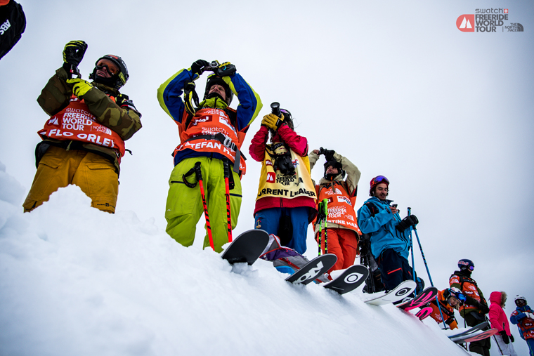 Eva Walkner (third from left) scopes out a line | David Carlier / FWT