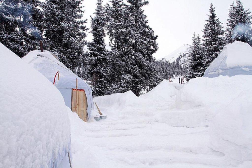 Yurt-based skiingin Kyrgyzstan