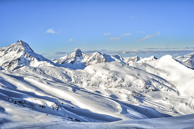 Head to the glacier for a warm up on its gentle runs |Yoann Peisin