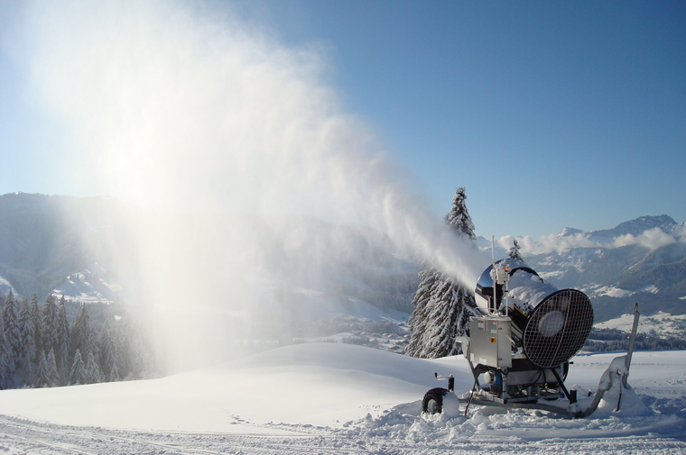 8fe27ca54 SMI Snow Makers Snow Cannon - Fall-Line Skiing