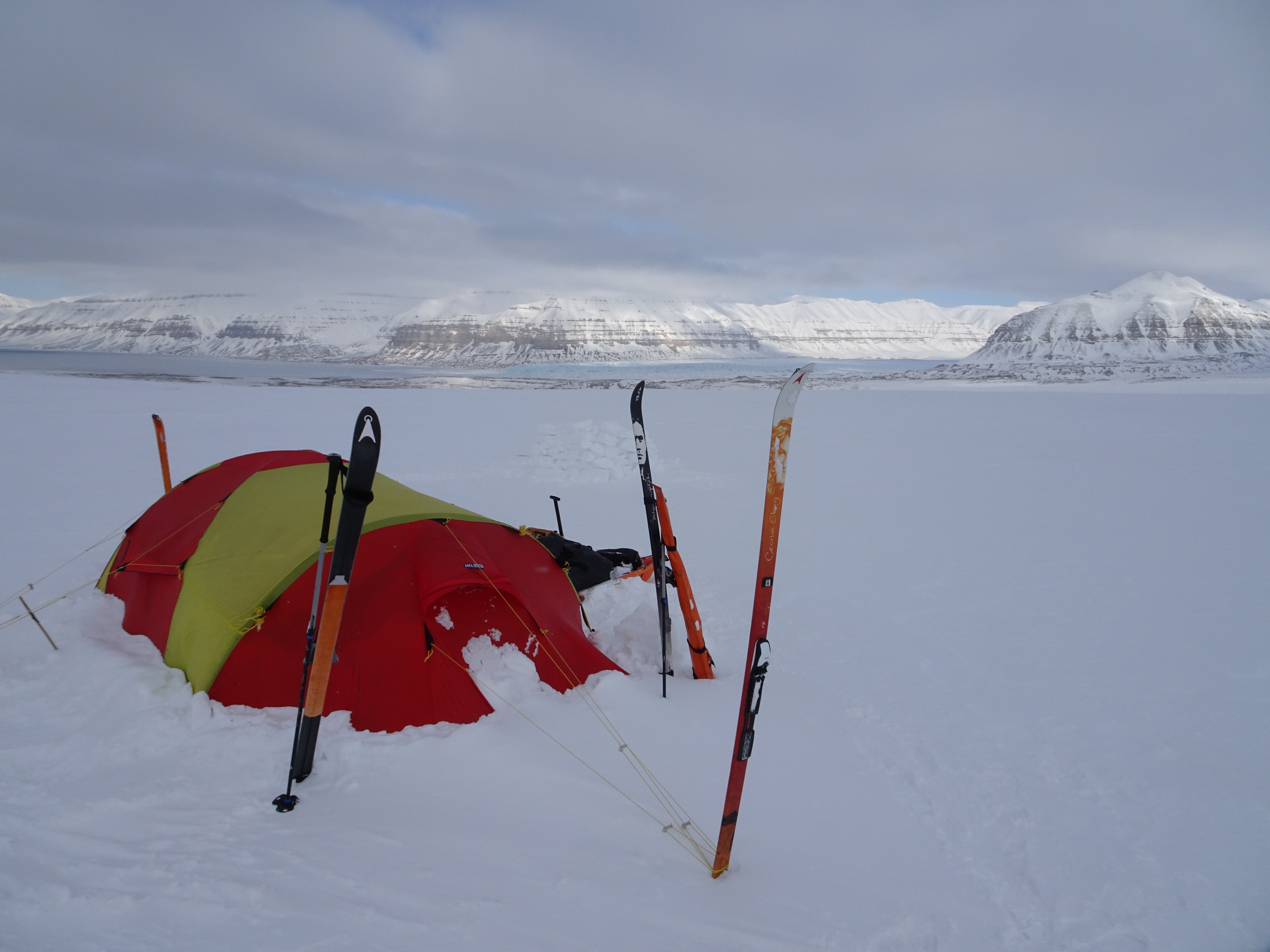 Using skis to anchor the tents | Photo: Justine Gosling