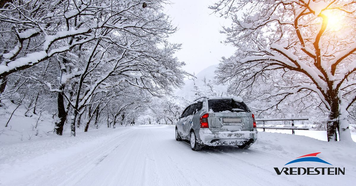 Drive smoothly carefully on snow and anticipate upcoming manoeuvres - no erratic braking or gear changes!