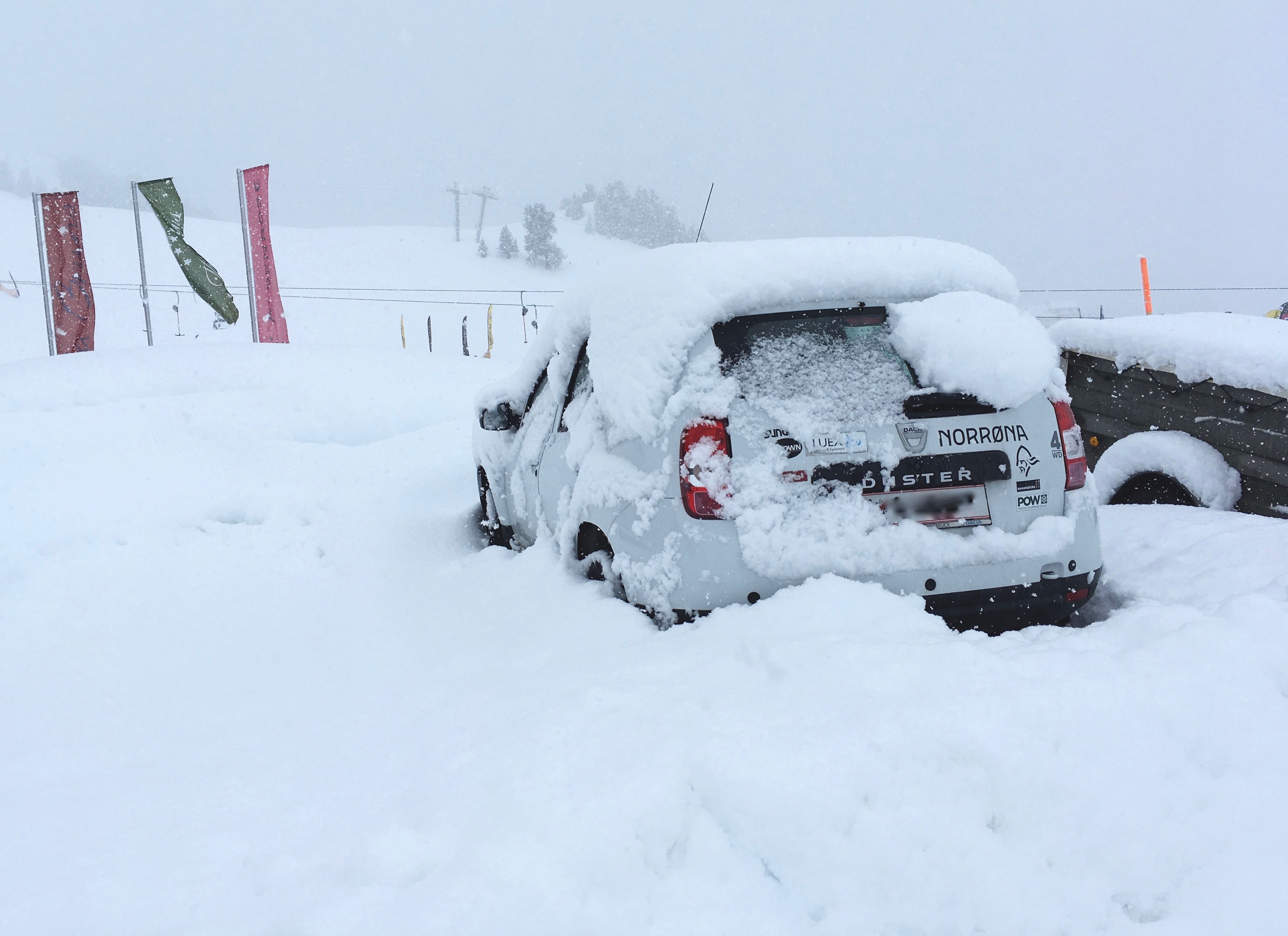 Heavy snow in Kühtai caused chaos on the last day of the ski test this year, but the Fall-Line #AdventureMobile soldiered on!