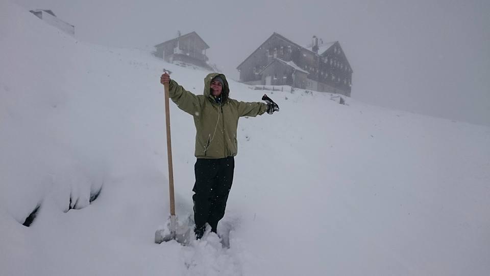Autumn snow at the Leutkircher Hütte in the Arlberg
