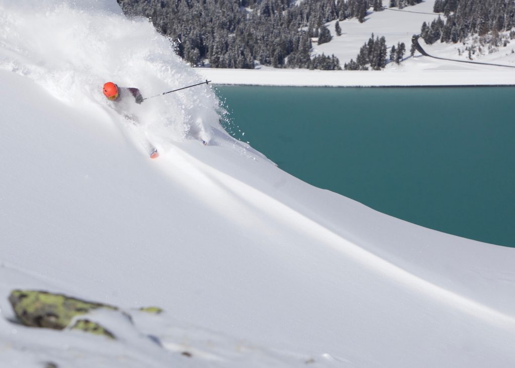 Ian Davis shreds the Salomon XDR 80 Ti ski in Kühtai, Austria