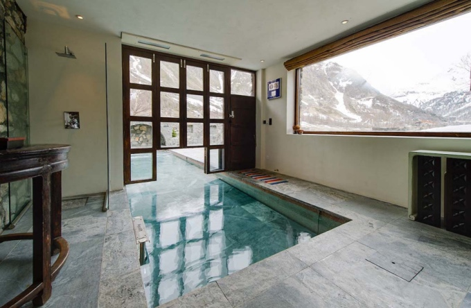 luxury swimming pools in the alps