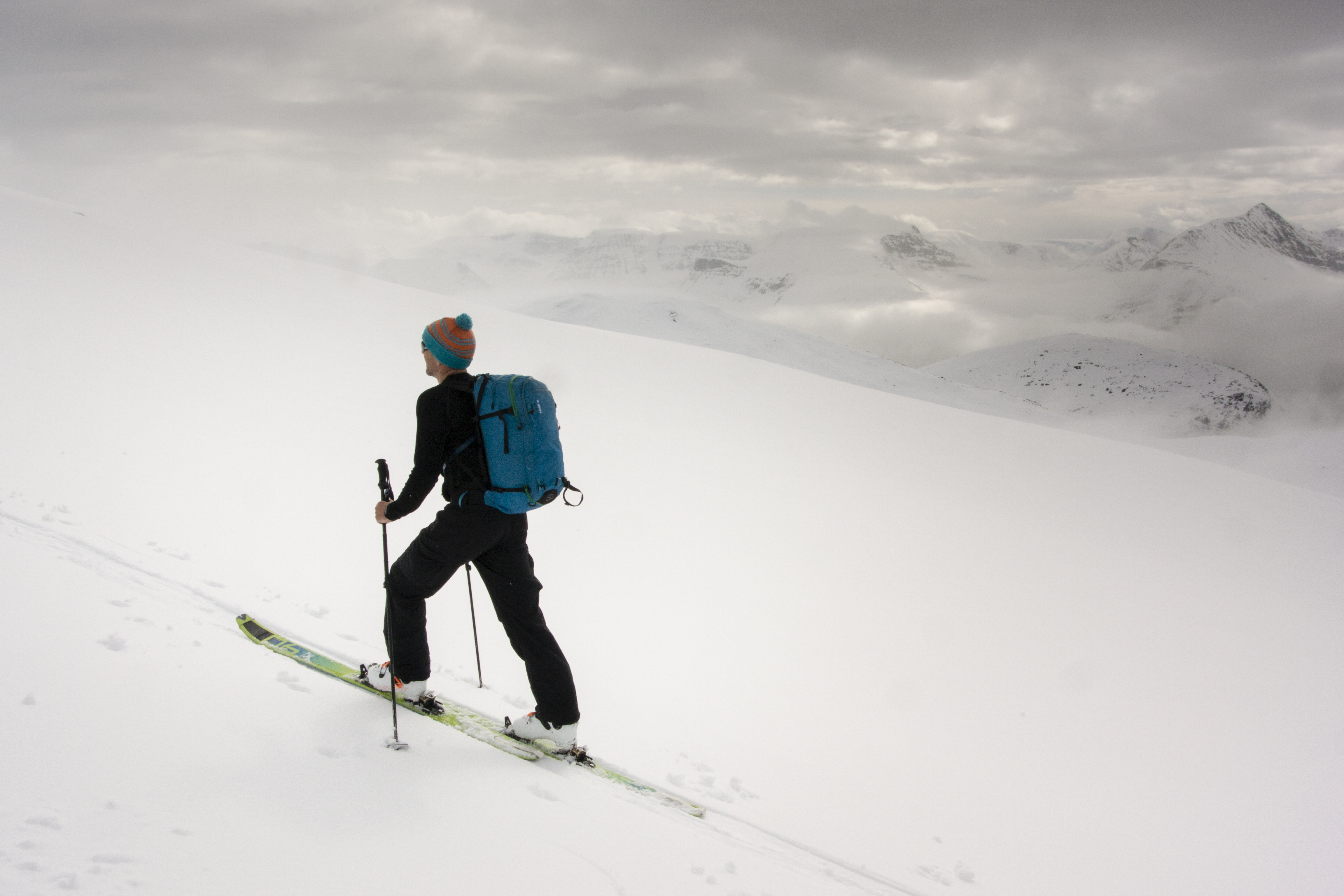 f46ec8ef00ca LESS IS MORE - LIGHTWEIGHT SKI TOURING KIT IN THE SPOTLIGHT - Fall ...